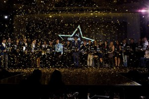 Minden győztes a színpadon.