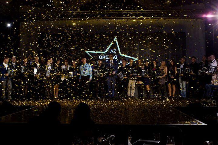 Minden győztes a színpadon. 84b308b3d6